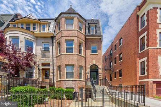 1423 CLIFTON ST NW #3