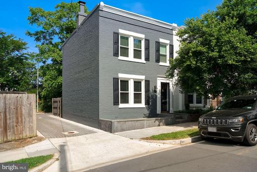 1906 35TH PL NW