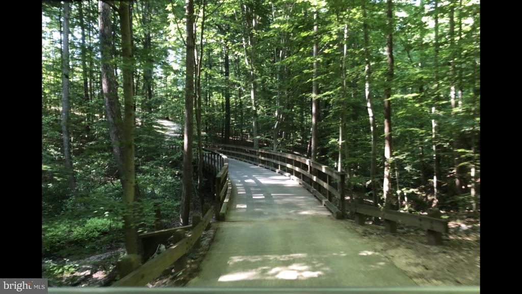 Tranquil and peaceful ride through nature! - 2066 ALDER LN, DUMFRIES