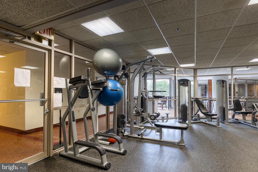 Fitness center - 1276 N WAYNE ST #PH07, ARLINGTON