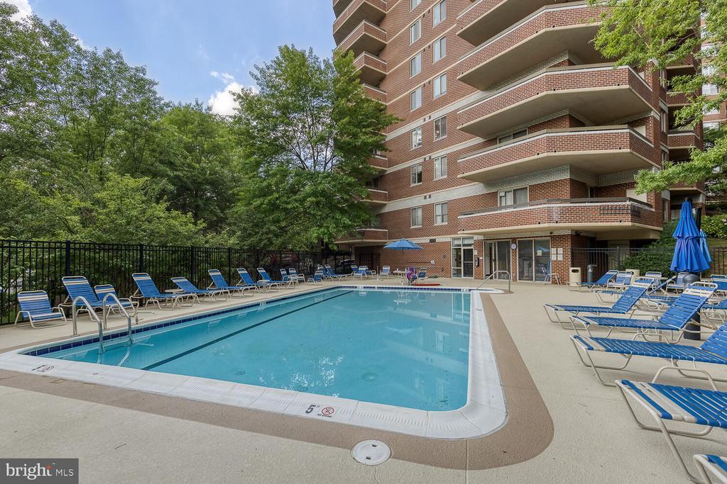Pool - 1276 N WAYNE ST #PH07, ARLINGTON