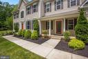 Gorgeous landscaping throughout - 37 DONS WAY, STAFFORD