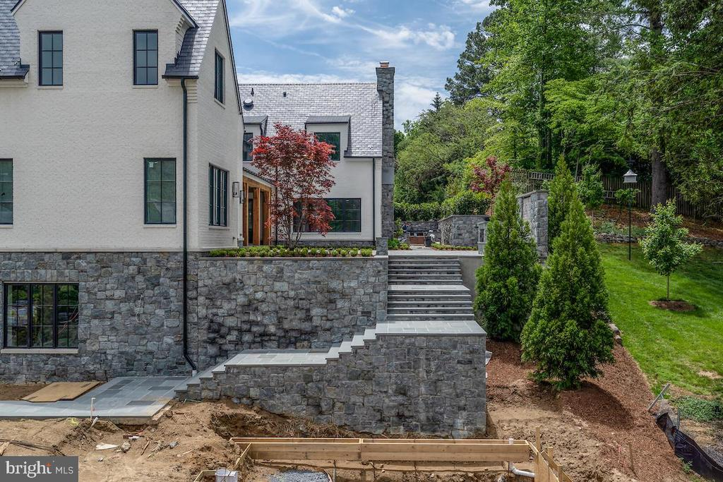 Stone steps lead the the spectacular pool - 1004 DOGUE HILL LN, MCLEAN
