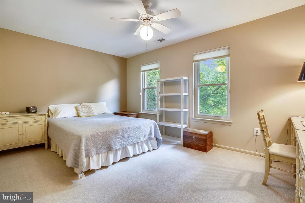 Bedroom 2 - 11517 DAFFODIL LN, SILVER SPRING