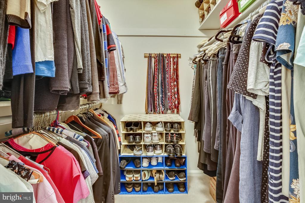 Walk-In Closet - 11517 DAFFODIL LN, SILVER SPRING