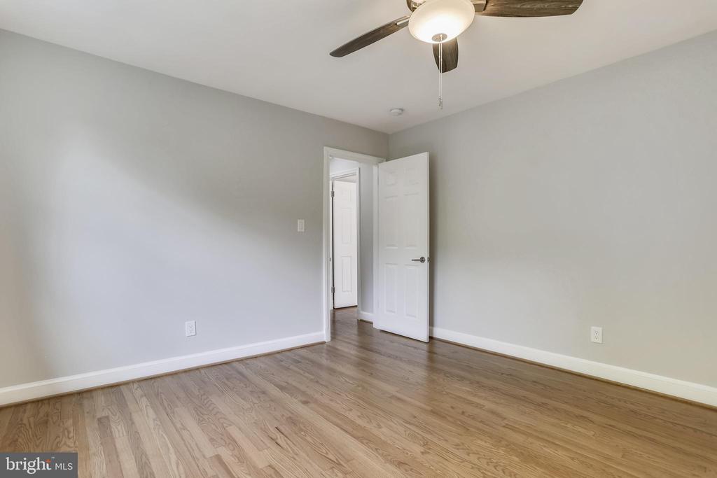 Bedroom #5 - Upper level - 1948 SEMINARY RD, SILVER SPRING