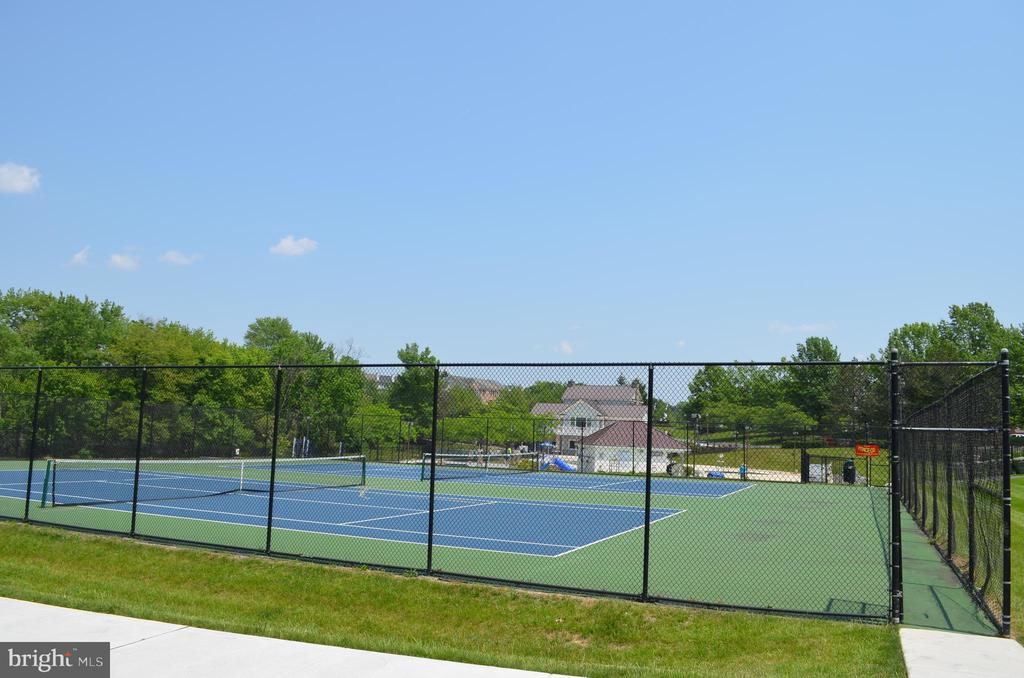 Tennis anyone? - 6304 SPRING FOREST RD, FREDERICK