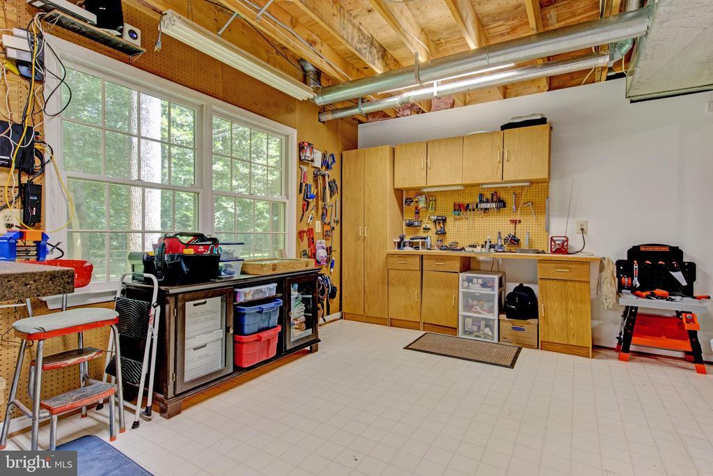 basement workshop - 2415 BLACK CAP LN, RESTON
