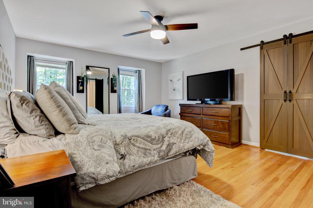 grand, master bedroom - 2415 BLACK CAP LN, RESTON