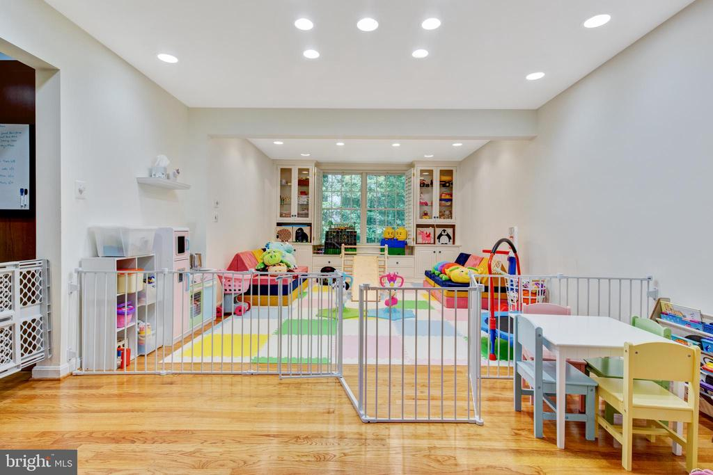 dining room (or kids play room!) - 2415 BLACK CAP LN, RESTON