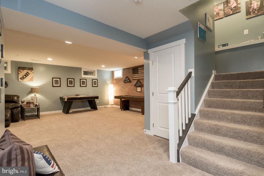 Fully finished basement - 16965 TAKEAWAY LN, DUMFRIES