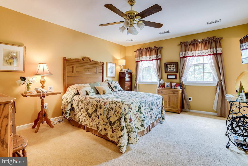 UL-Primary Bedroom. Very spacious - 607 23RD ST S, ARLINGTON