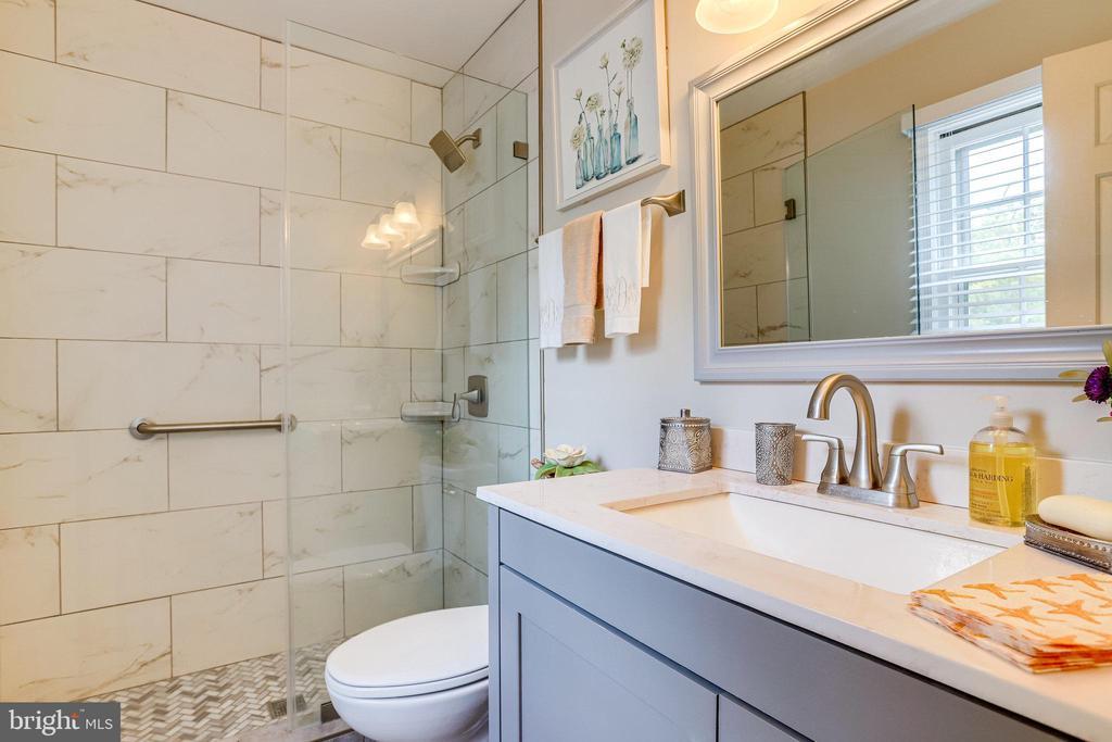 UL-Primary Bathroom.  Upgraded in 2020 - 607 23RD ST S, ARLINGTON