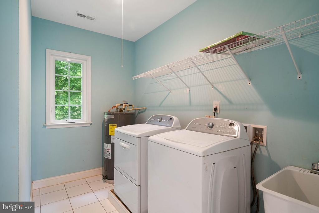 Laundry Room - 12805 KAHNS RD, MANASSAS