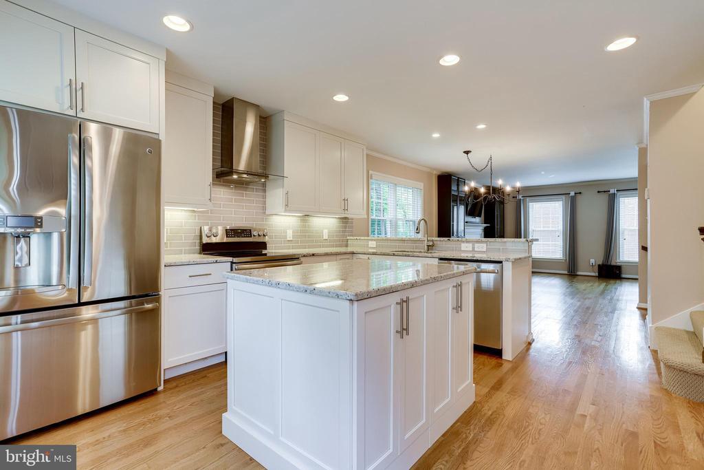 Over $55,000 on Main floor renovation - 6705 WASHINGTON BLVD #G, ARLINGTON