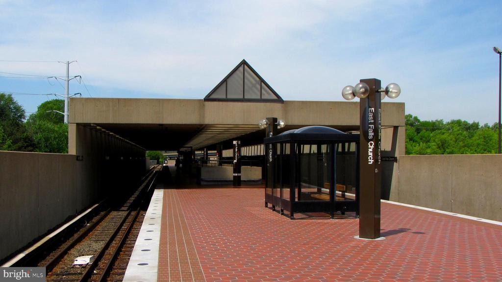 Walking distance to East Falls Church Metro - 6705 WASHINGTON BLVD #G, ARLINGTON