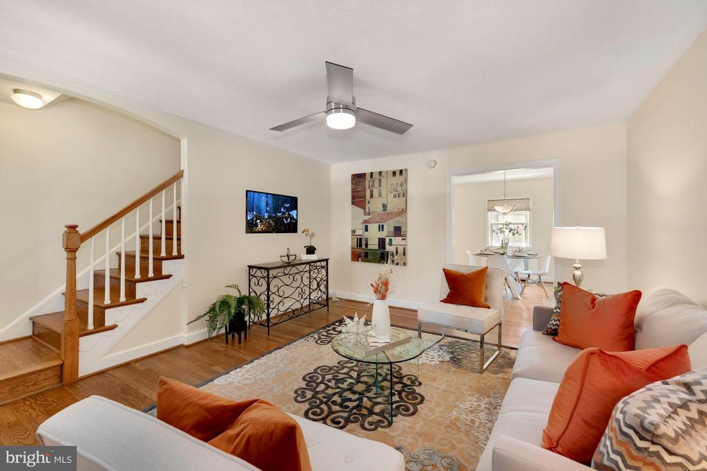Living Room toward stairs to upper level - 710 N NELSON ST, ARLINGTON