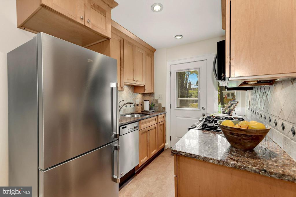 Renovated Kitchen - 710 N NELSON ST, ARLINGTON