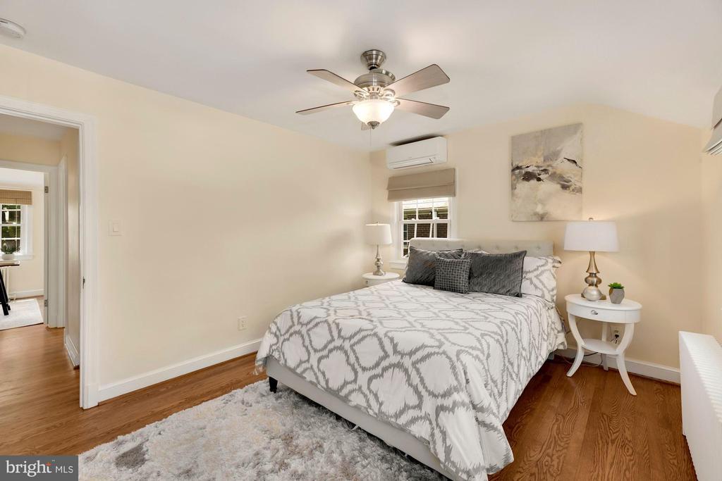 Front Bedroom with fan - 710 N NELSON ST, ARLINGTON