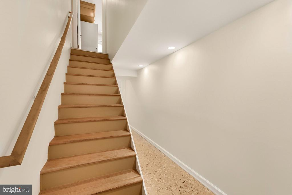 Lower Level stairs - 710 N NELSON ST, ARLINGTON