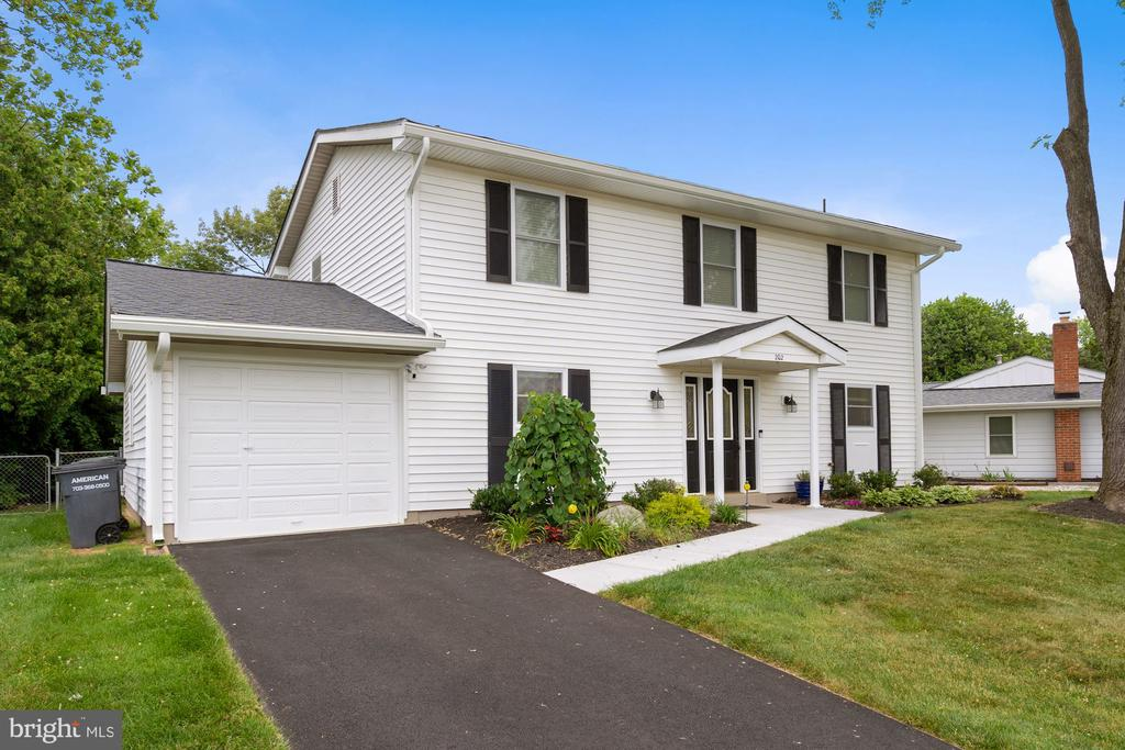 Gorgeous Front Elevation w/ Newly Paved Driveway - 202 E JUNIPER AVE, STERLING