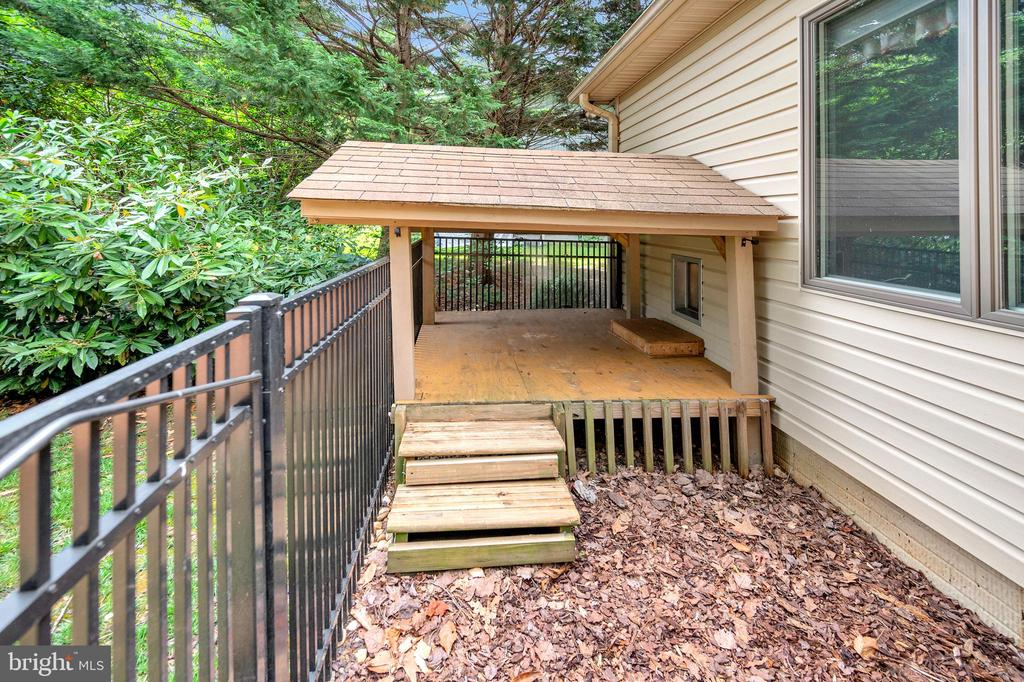 approved animal shelter or plant haven - 205 PINE VALLEY RD, LOCUST GROVE