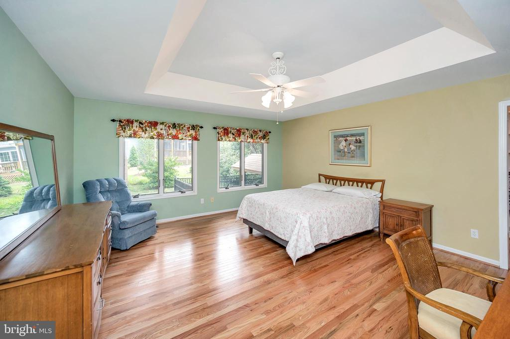 Primary wood floored Retreat -tray ceiling accent - 205 PINE VALLEY RD, LOCUST GROVE