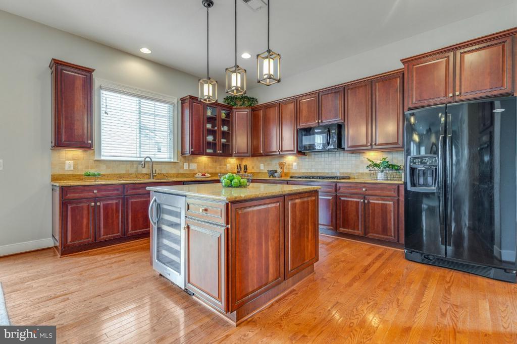 Gourmet Kitchen Granite Counters - 41873 REDGATE WAY, ASHBURN