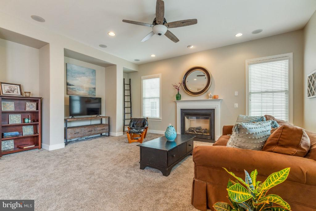 Family Room with Gas Fireplace - 41873 REDGATE WAY, ASHBURN