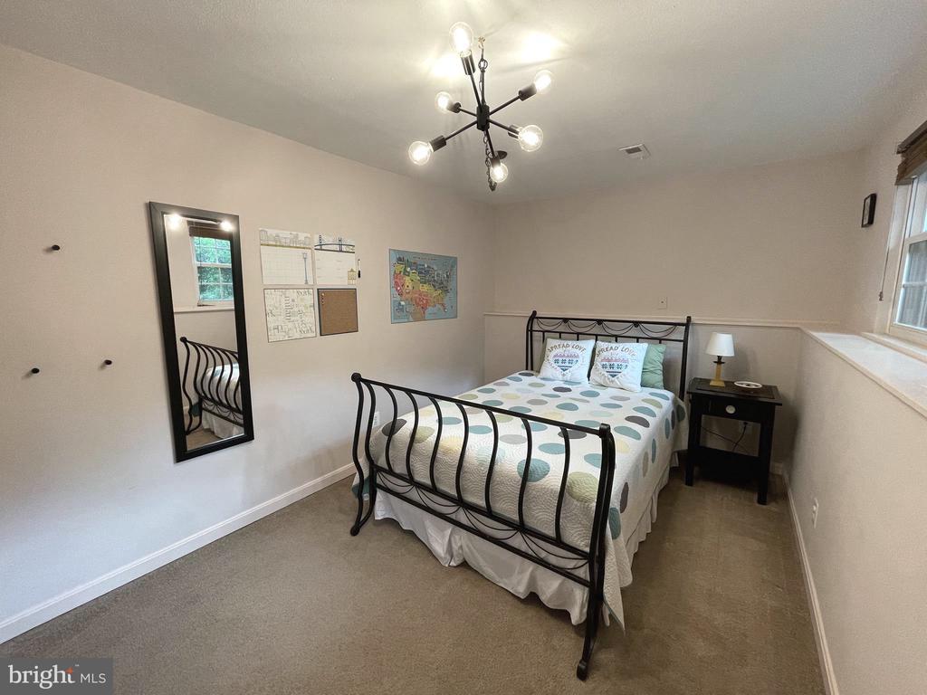 Bedroom 4 in basement - 5919 VERNONS OAK CT, BURKE