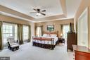 Master bedroom with Tray Ceiling - 4525 MOSSER MILL CT, WOODBRIDGE