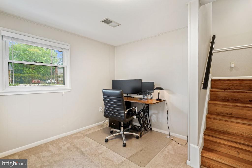 Den/Office/Nook on Lower Level - 4303 FIELDING ST, ALEXANDRIA