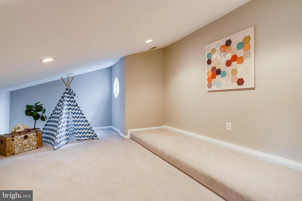 Bonus space - 728 20TH ST S, ARLINGTON