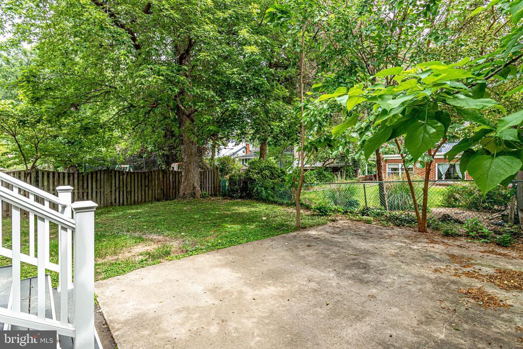 Backyard patio - 728 20TH ST S, ARLINGTON