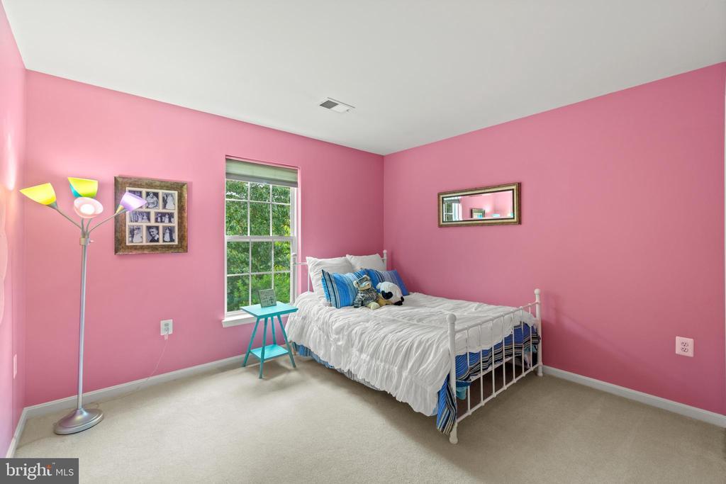 Upper Level 2nd Bedroom - 17318 ARROWOOD PL, ROUND HILL