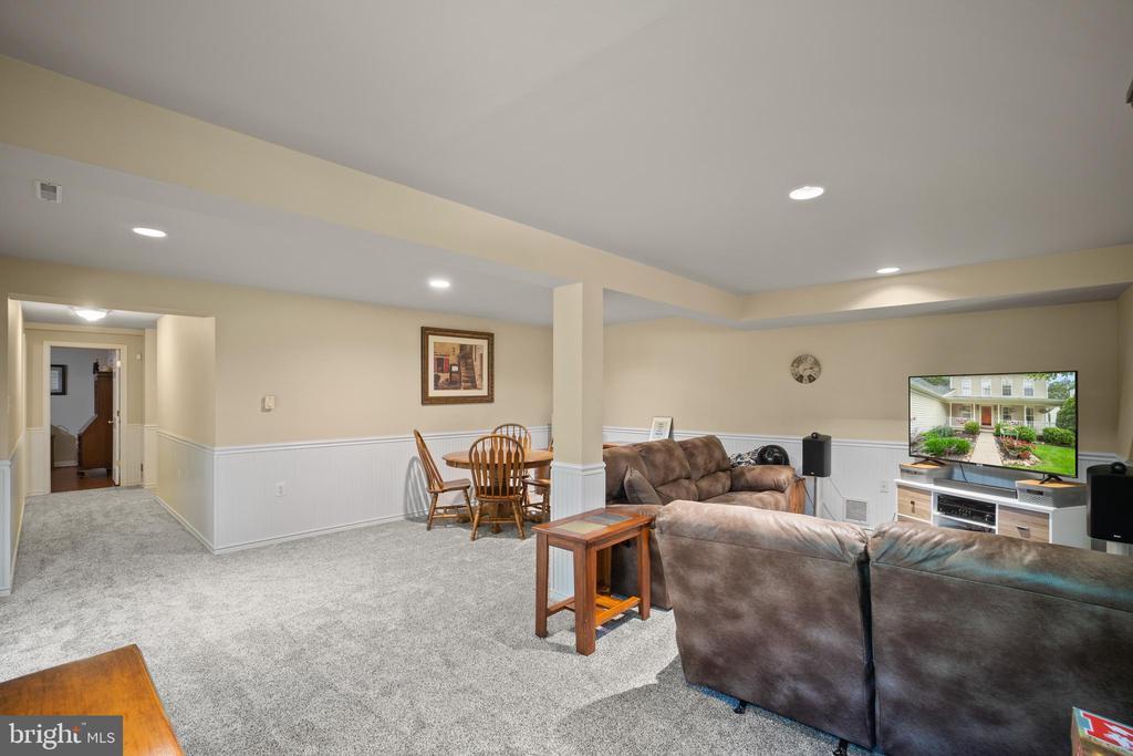 New Carpet - 17318 ARROWOOD PL, ROUND HILL
