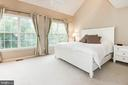 Primary Bedroom with Vaulted Ceilings - 1211 HERITAGE COMMONS CT, RESTON