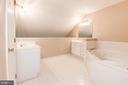 Primary Lofted Bath with Soaking Tub & 2 Vanities - 1211 HERITAGE COMMONS CT, RESTON