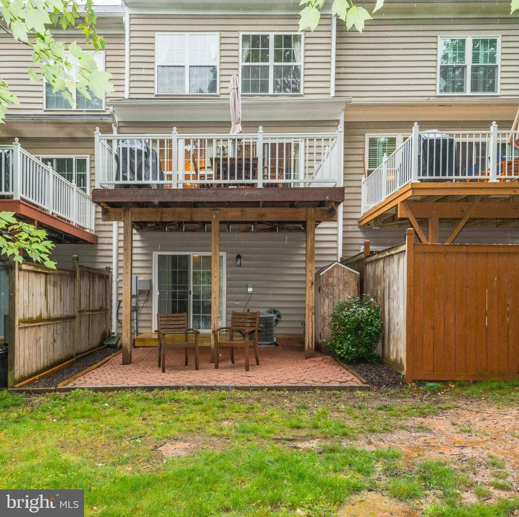 Storage Shed on Rear Patio - 1211 HERITAGE COMMONS CT, RESTON