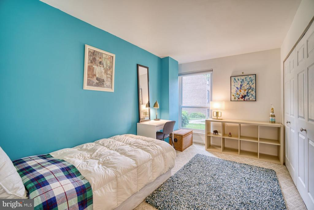 Bedroom #2 - 11236 CHESTNUT GROVE SQ #164, RESTON