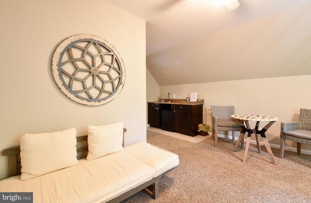 Apartment Above Garage - 16009 CARRINGTON CT, MINERAL