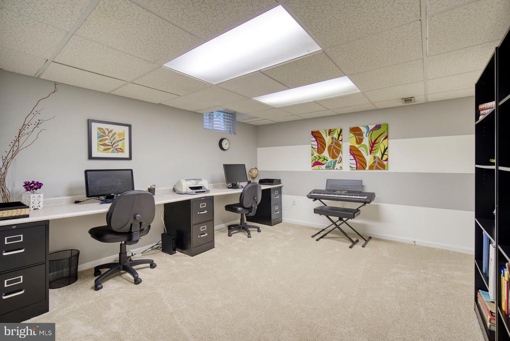 Office on Lower Level - 45838 CABIN BRANCH DR, STERLING