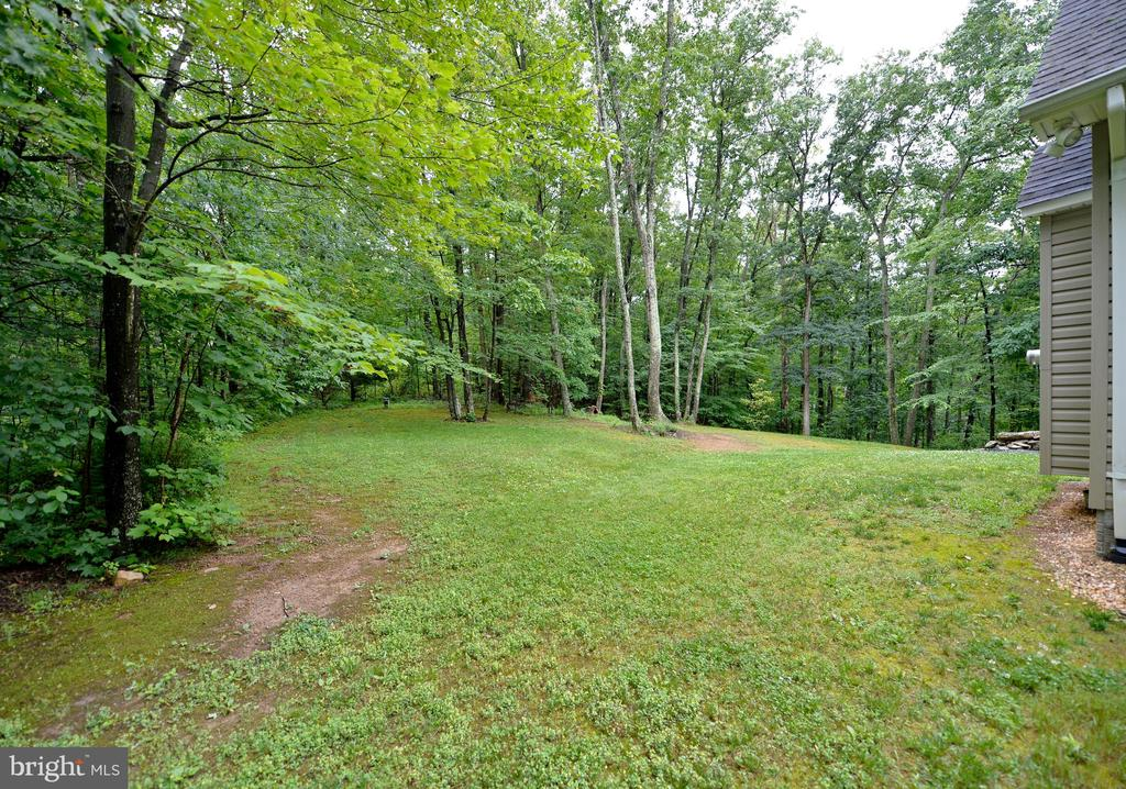 - 141 BRIDLE PATH RD, WINCHESTER
