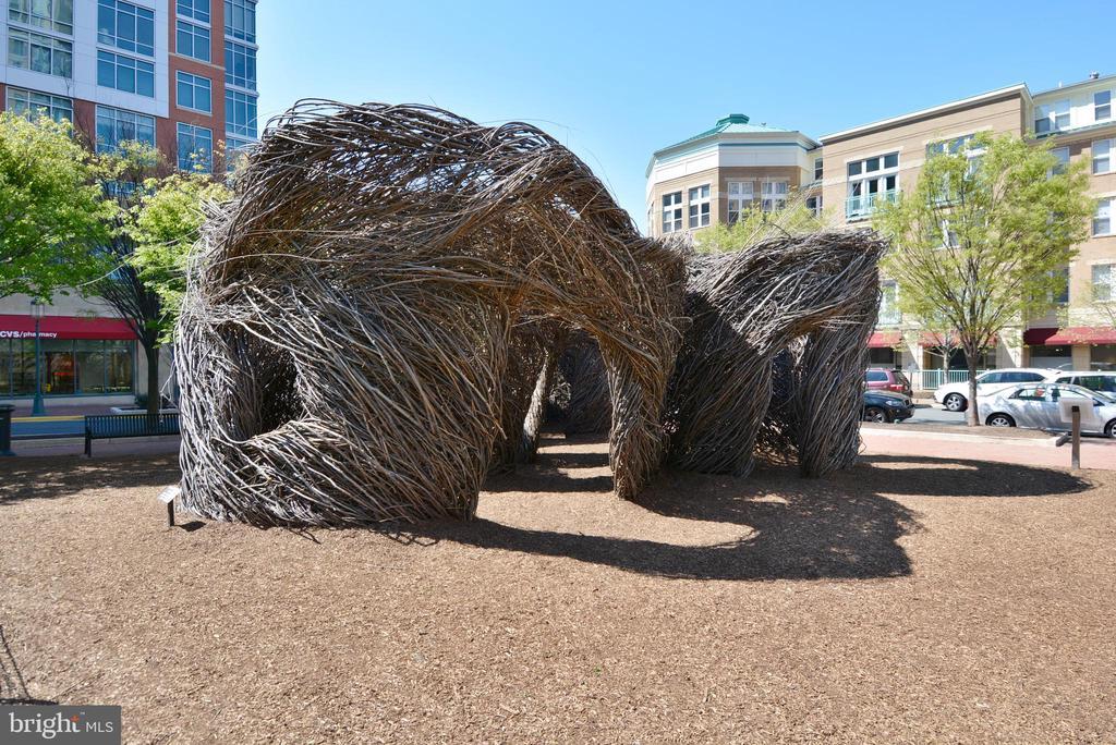 Reston Town Center Birds Nest Sculpture - 1515 STUART RD, RESTON