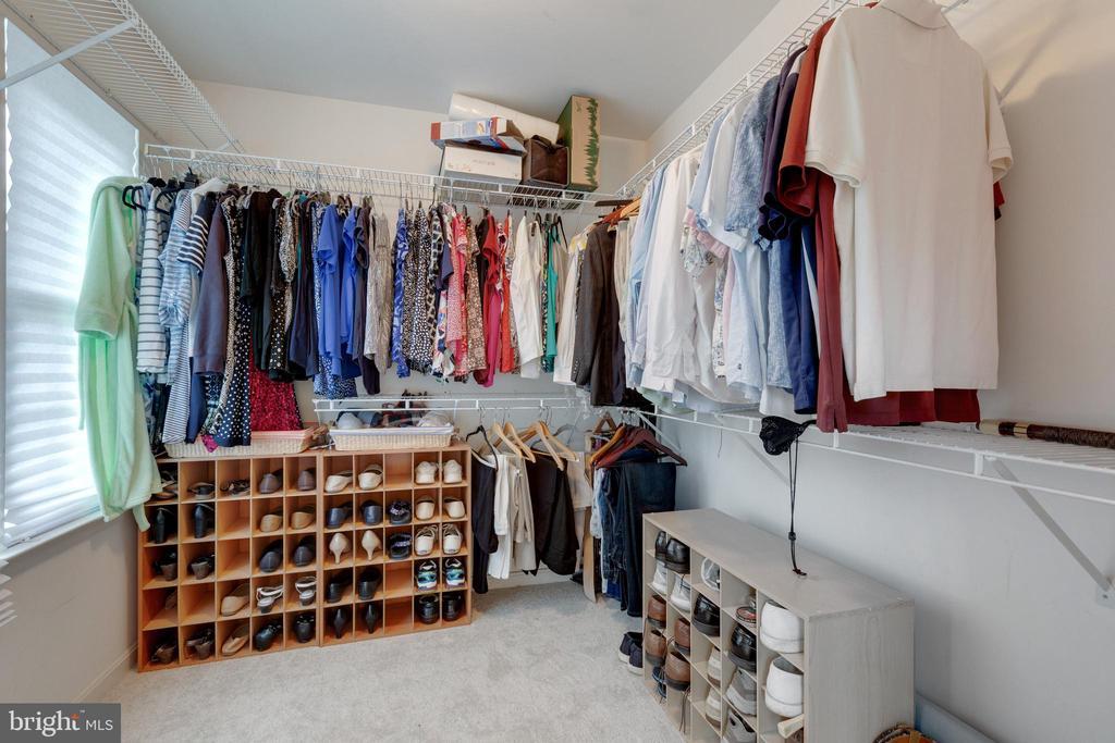 Primary Suite Walk-in Closet - 4266 WILTSHIRE PL, DUMFRIES