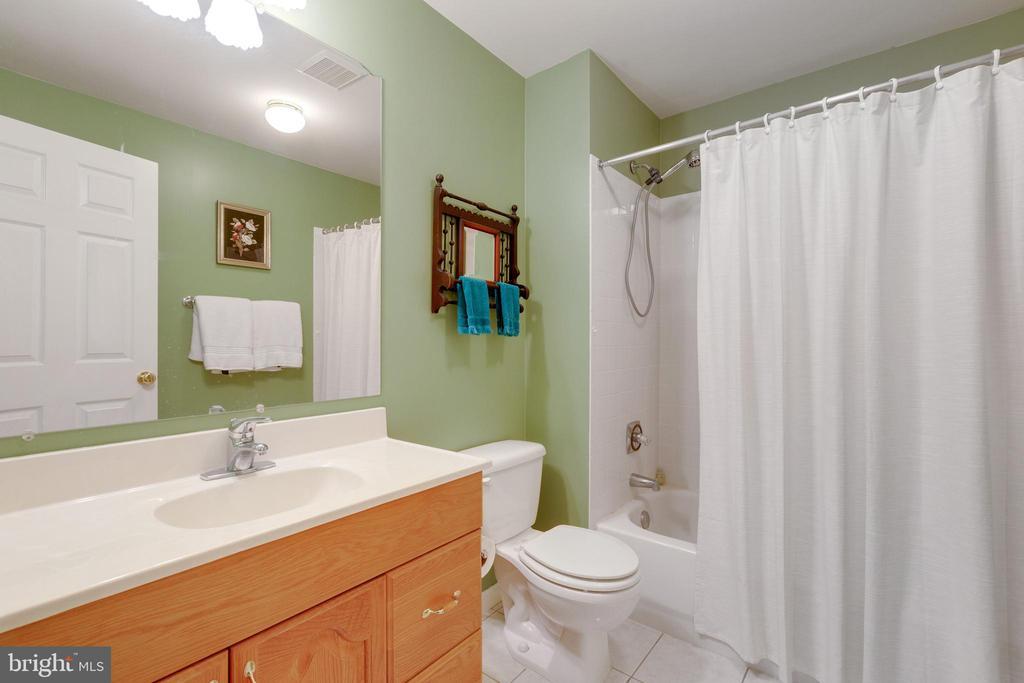 Basement 3rd Full Bath - 4266 WILTSHIRE PL, DUMFRIES