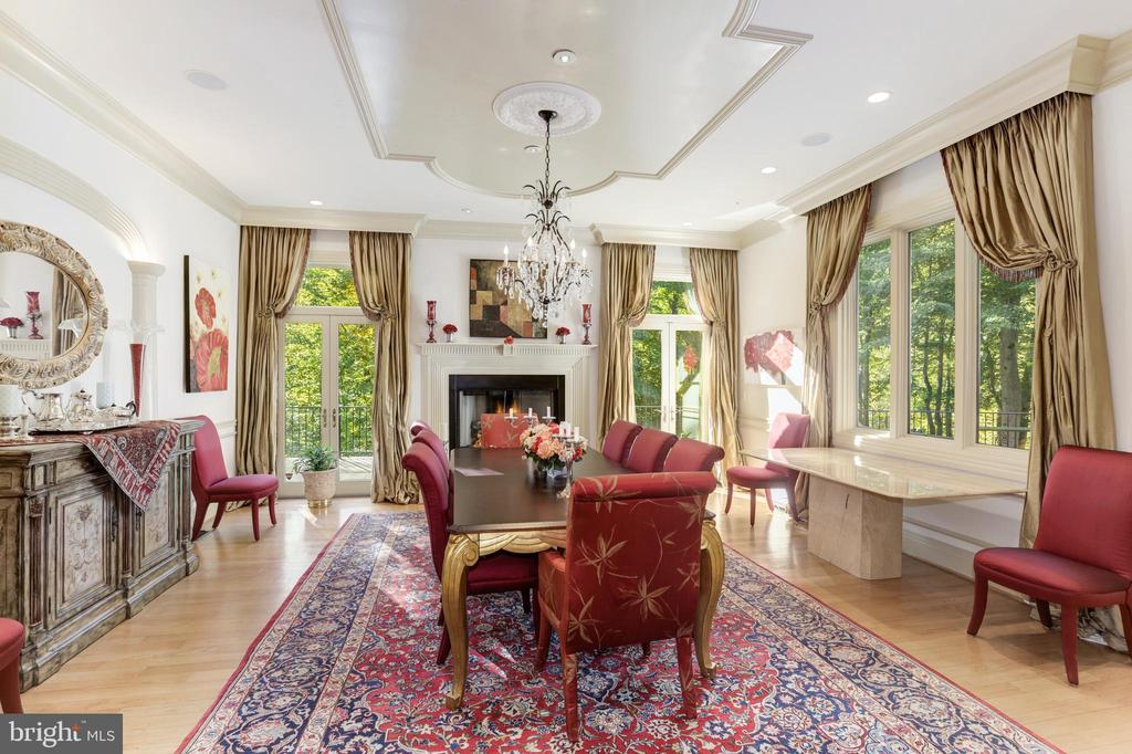 Embassy sized dining room -pure elegance - 1342 POTOMAC SCHOOL RD, MCLEAN