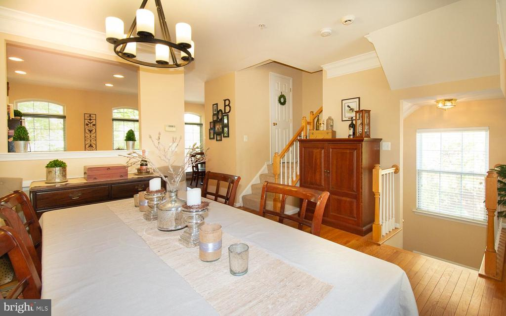 OPEN dining area with updated light fixture - 5000 DONOVAN DR, ALEXANDRIA