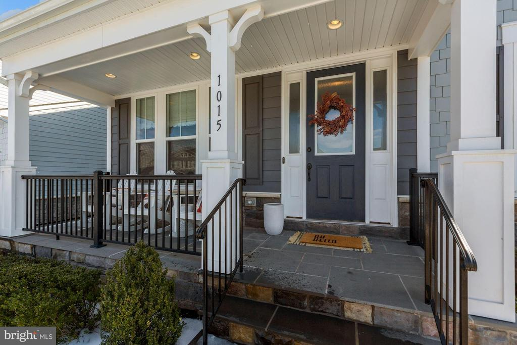 front porch - 1015 AKAN ST SE, LEESBURG