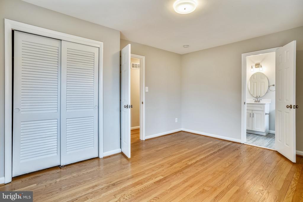 Master Bedroom - 900 S WAKEFIELD ST, ARLINGTON